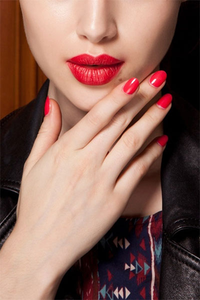 Simple-Red-Nail-Art-Designs-Ideas-For-Girls-2013-2014-3