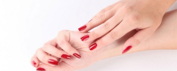 Simple-Red-Nail-Art-Designs-Ideas-For-Girls-2013-2014