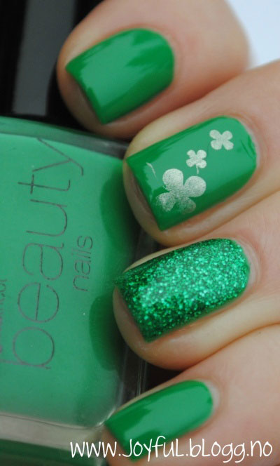 Green-Nail-Art-Designs-Ideas-2013-2014-2
