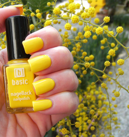 Simple-Easy-Yellow-Nail-Art-Designs-Ideas-2013-2014-8