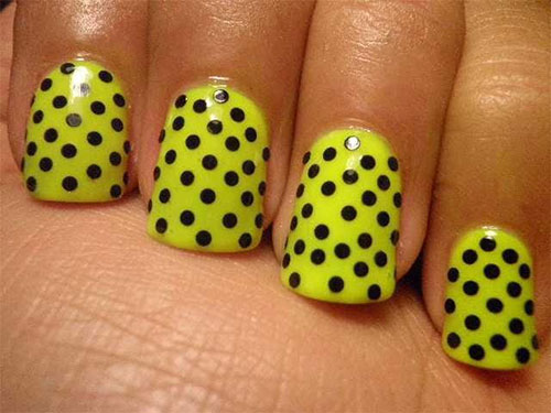 Very-Easy-Yellow-Nail-Art-Designs-Ideas-2013-2014-For-Beginners-Learners-8