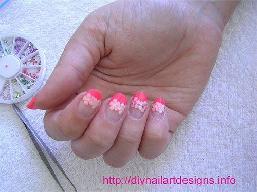 Creative-Flower-Nail-Art-Designs-Ideas-2013-2014-14