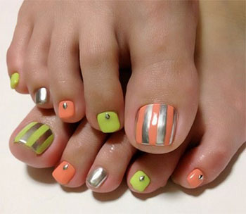 Best-New-Year-Toe-Nail-Art-Designs-Ideas-2013-2014-1