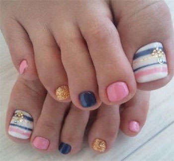 Best-New-Year-Toe-Nail-Art-Designs-Ideas-2013-2014-2