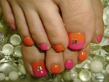 Best-New-Year-Toe-Nail-Art-Designs-Ideas-2013-2014-5