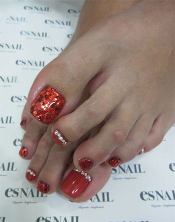 Best-New-Year-Toe-Nail-Art-Designs-Ideas-2013-2014-7