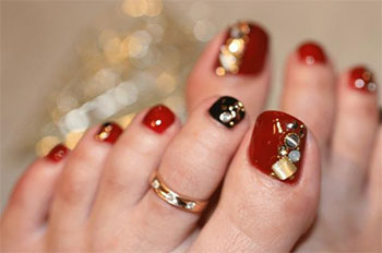 Best-New-Year-Toe-Nail-Art-Designs-Ideas-2013-2014-9