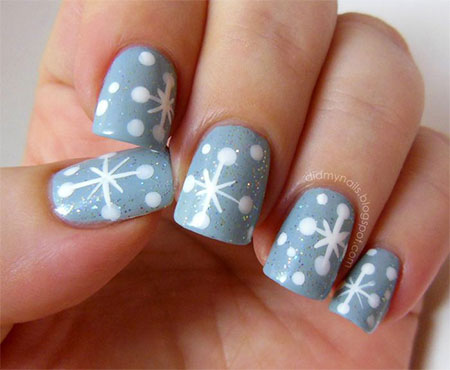 Elegant-Snowflake-Nail-Art-Designs-Ideas-2013-2014-5