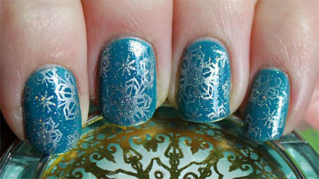 Elegant-Snowflake-Nail-Art-Designs-Ideas-2013-2014-8
