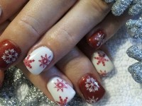 Elegant-Snowflake-Nail-Art-Designs-Ideas-2013-2014