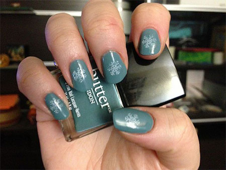 Very-Easy-Winter-Nail-Art-Designs-2013-2014-For-Beginners-Learners-5