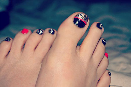 Cute-Valentines-Day-Toe-Nail-Art-Designs-Ideas- - Cute Valentine's Day Toe Nail Art Designs & Ideas 2014 Fabulous