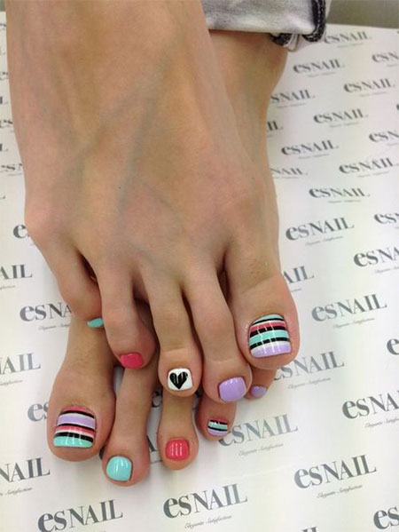 Cute-Valentines-Day-Toe-Nail-Art-Designs-Ideas-2014-7