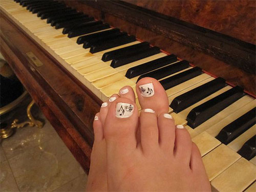 Music-Themed-Toe-Nail-Art-Design-Idea-2014-1