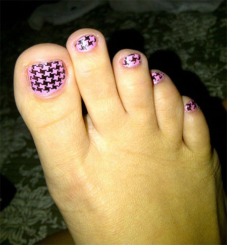 New-Houndstooth-Toe-Nail-Art-Designs-Ideas-Trends-Stickers-Wraps-2014-4