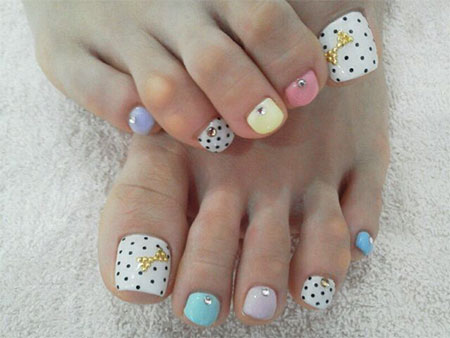 12-Summer-Themed-Toe-Nail -Art-Designs-Ideas-Trends-Stickers-2014-3