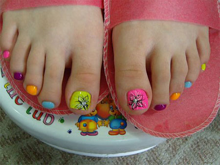 Simple-Summer-Inspired-Toe-Nail-Art-Designs-Ideas-Trends-Stickers-2014-3