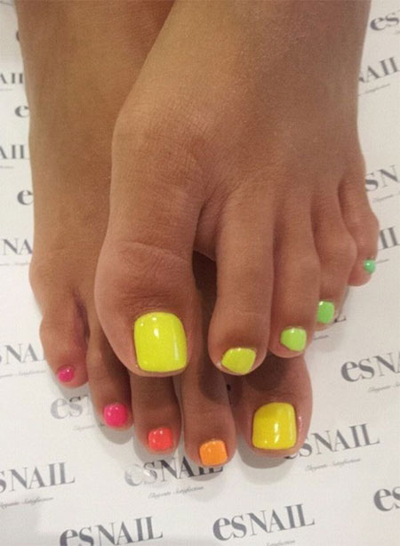 20-Easy-Simple-Toe-Nail-Art-Designs-Ideas-Trends-For-Beginners-Learners-2014-12