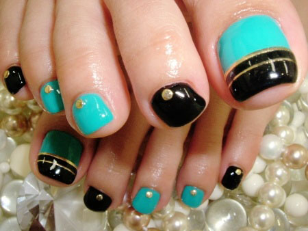 20-Easy-Simple-Toe-Nail-Art-Designs-Ideas-Trends-For-Beginners-Learners-2014-15