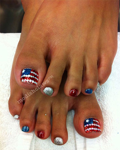 Elegant-Fourth-Of-July-Toe-Nail-Art-Designs-Ideas-Trends-2014-6