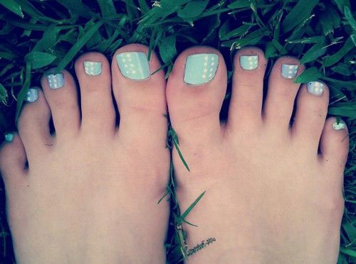Easy-Polka-Dots-Toe-Nail-Art-Designs-Ideas-Trends-2014-4