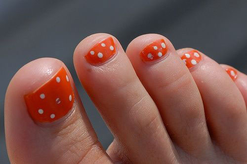 Easy-Polka-Dots-Toe-Nail-Art-Designs-Ideas-Trends-2014-7