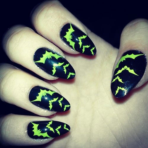 12-Halloween-Bat-Nail-Art-Designs-Ideas-Trends-Stickers-2014-9