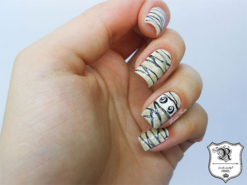 15-Scary-Halloween-Mummy-Nail-Art-Designs-Ideas-Trends-Stickers-2014-16