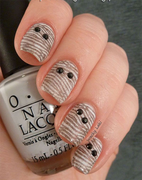 15-Scary-Halloween-Mummy-Nail-Art-Designs-Ideas-Trends-Stickers-2014-4