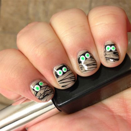 15-Scary-Halloween-Mummy-Nail-Art-Designs-Ideas-Trends-Stickers-2014-8