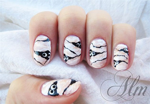 15-Scary-Halloween-Mummy-Nail-Art-Designs-Ideas-Trends-Stickers-2014-9
