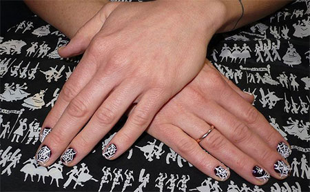 18-Halloween-Spider-Web-Nail-Art-Designs-Ideas-Trends-Stickers-2014-18