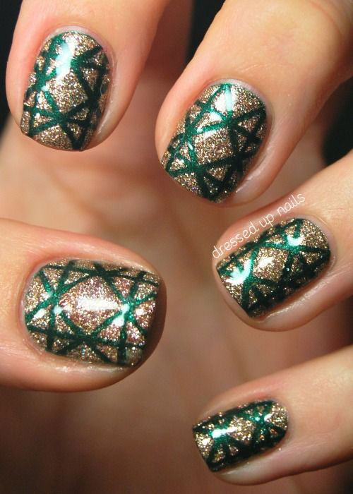 15-Red-Green-Gold-Christmas-Nail-Art-Designs-Ideas-Trends-Stickers-2014-Xmas-Nails-15