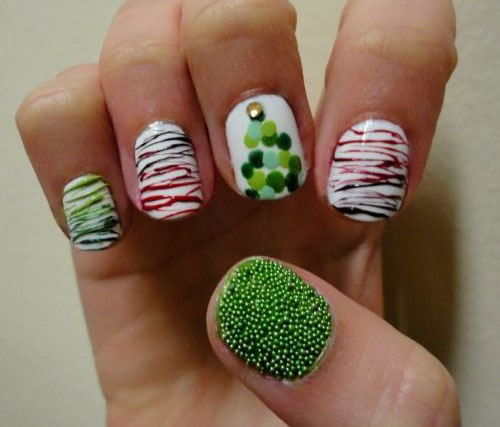 15-Simple-Christmas-Tree-Nail-Art-Designs-Ideas-Stickers-2014-11