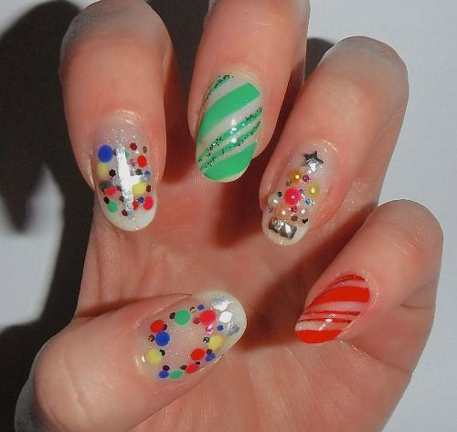 15-Simple-Christmas-Tree-Nail-Art-Designs-Ideas-Stickers-2014-8