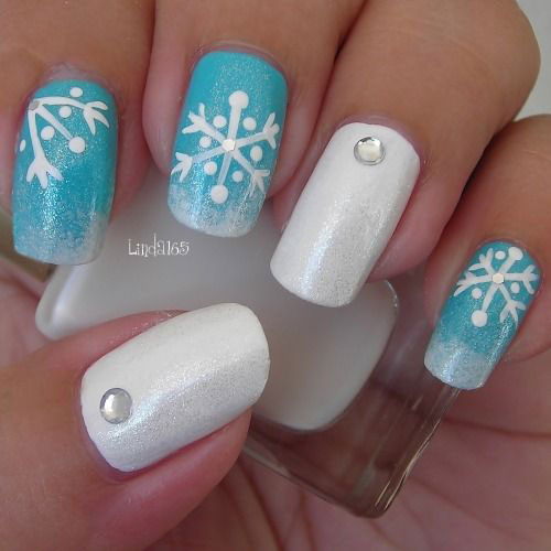 20-Best-Winter-Snowflake-Nail-Art-Designs-Ideas-Trends-Stickers-2014-12