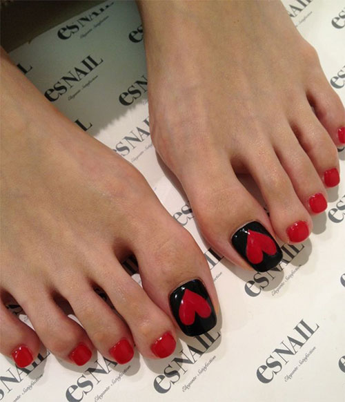12-Valentines-Day-Toe-Nail-Art-Designs-Ideas-Trends-Stickers-2015-10