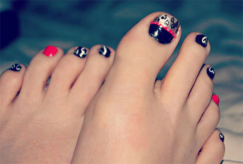 12-Valentines-Day-Toe-Nail-Art-Designs-Ideas-Trends-Stickers-2015-11