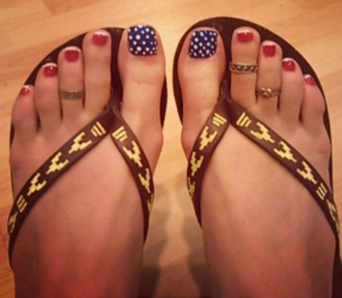 18-Summer-Toe-Nail-Art-Designs-Ideas-Trends-Stickers-2015-18