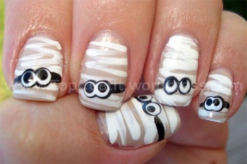 15-Halloween-Inspired-Mummy-Nail-Art-Designs-Ideas-Stickers-2015-13