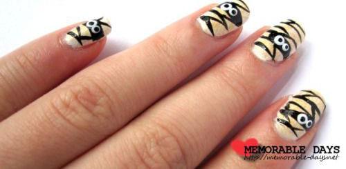 15-Halloween-Inspired-Mummy-Nail-Art-Designs-Ideas-Stickers-2015-3