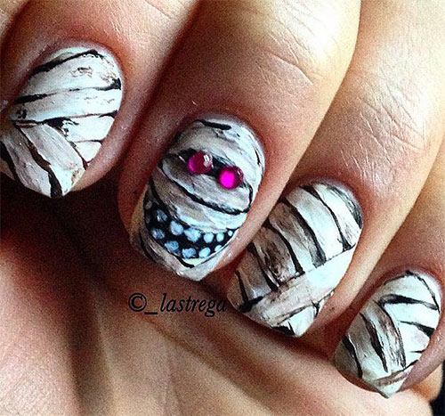 15-Halloween-Inspired-Mummy-Nail-Art-Designs-Ideas-Stickers-2015-9
