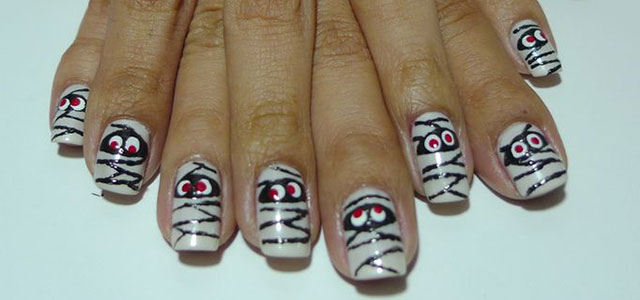 15-Halloween-Inspired-Mummy-Nail-Art-Designs-Ideas-Stickers-2015-F