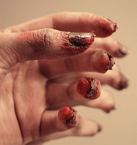 15-Zombie-Nail-Art-Designs-Ideas-Stickers-2015-Halloween-Nails-3