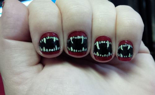 25-Scary-Halloween-Nail Art-Designs-Ideas-Trends-Stickers-2015-20