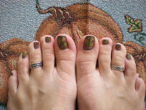 Inspiring-Cool-Fall-Autumn-Toe-Nail-Art-Designs-Ideas-2015-1