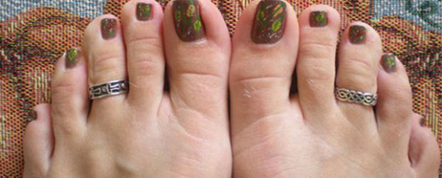Inspiring-Cool-Fall-Autumn-Toe-Nail-Art-Designs-Ideas-2015-F