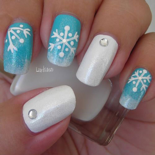 Christmas Designs For Acrylic Nails: 20+ Christmas Snowflake Acrylic Nail Art Designs, Ideas