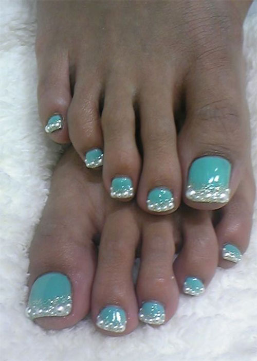 10-Winter-Toe-Nail-Art-Designs-Ideas-Trends-Stickers-2016-8