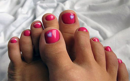 15-Valentines-Day-Toe-Nail-Art-Designs-Ideas-Stickers-2016-14